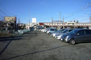 寄居駅南口駐車場