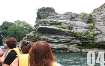 04.岩と渓谷美が迫る